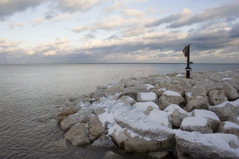1 objętych jeziora rock śnieg fotografia stock