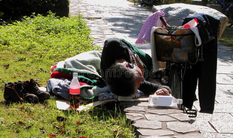 Download 1 życia obraz stock. Obraz złożonej z półdupek, bezdomny - 35697