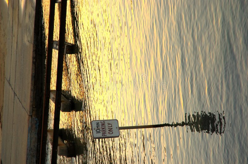 Download 10 parking minutę zdjęcie stock. Obraz złożonej z poręcze - 134968