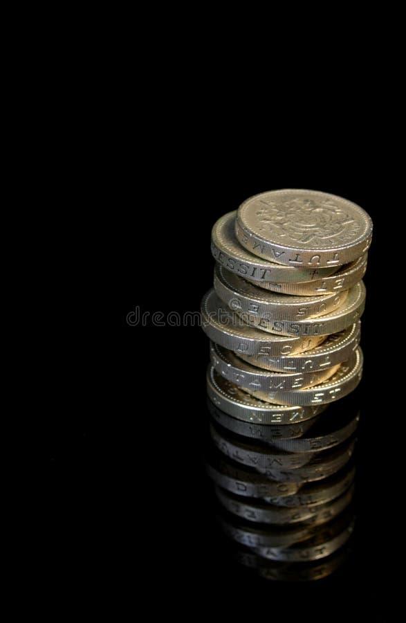 10 pièces de monnaie £1 image libre de droits