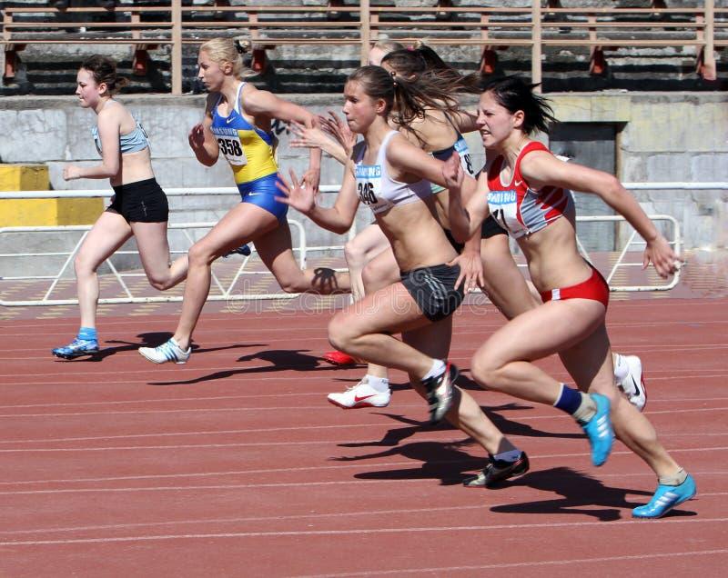 100 flickaräkneverk race arkivfoton