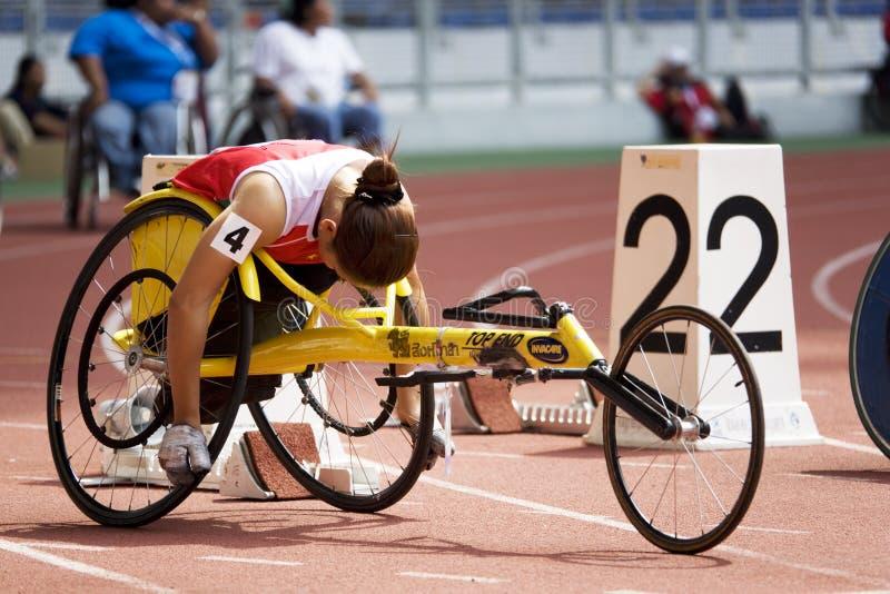 100 metrów ścigają się s wózek inwalidzki kobiety obrazy royalty free