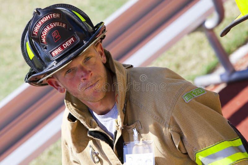 11 settembre 2011 - ascensione commemorativa della scala del pompiere fotografia stock