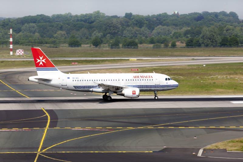 111 a319 lotniczy Airbus samolot Malta obrazy royalty free
