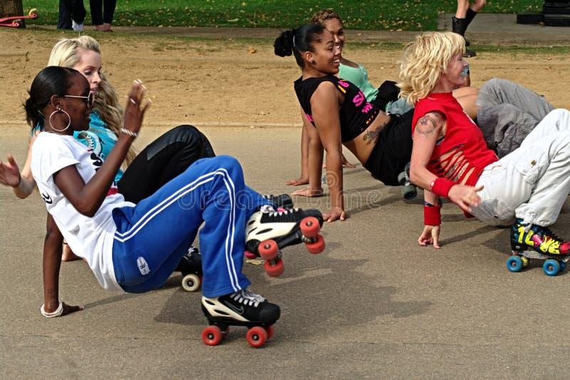 12个舞蹈演员海德公园冰鞋 库存照片
