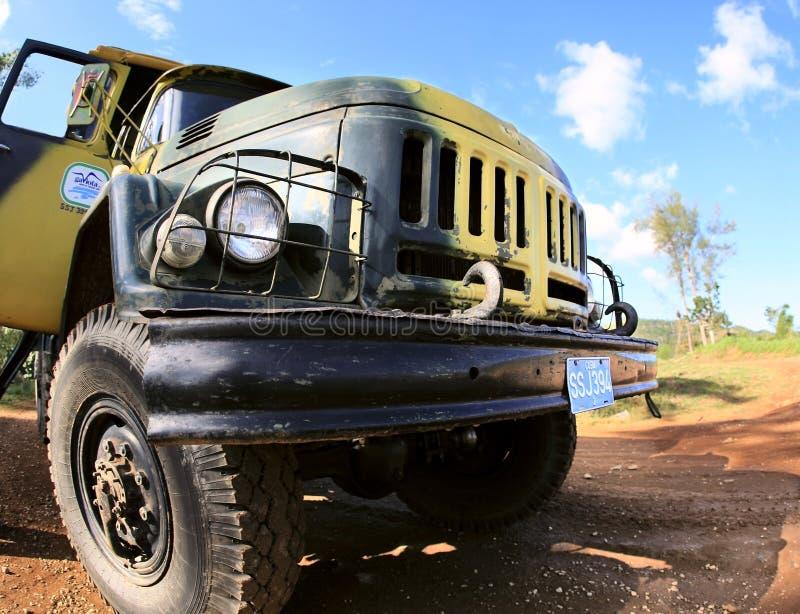 Download 131支陆军汽车莫斯科老工厂卡车zil 编辑类照片. 图片 包括有 休闲, 减速火箭, 阳光, 夏天, 油漆 - 22357901