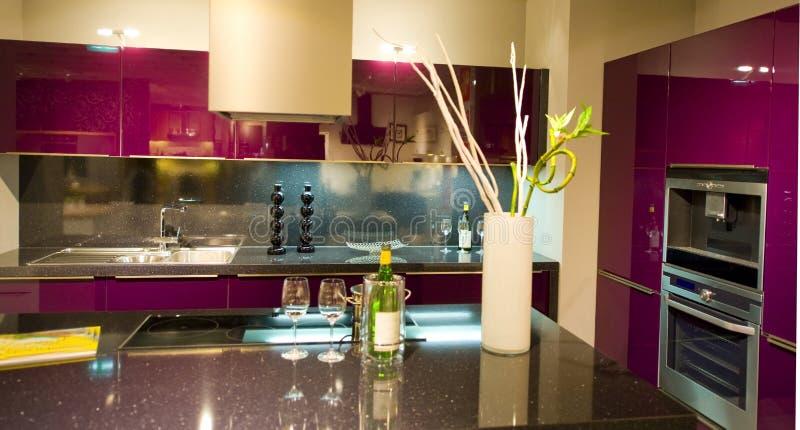 14个厨房现代新的缩放比例 免版税库存照片