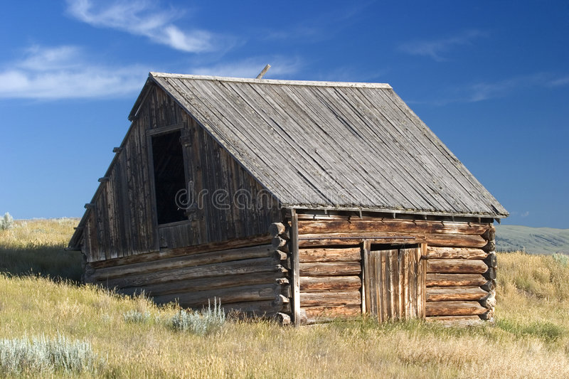 Download 1700's Style Norwegian Barn In A Field In Montana Royalty Free Stock Images - Image: 772469