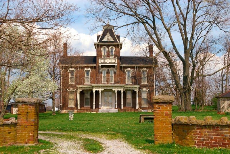19世纪砖有历史的家 库存图片