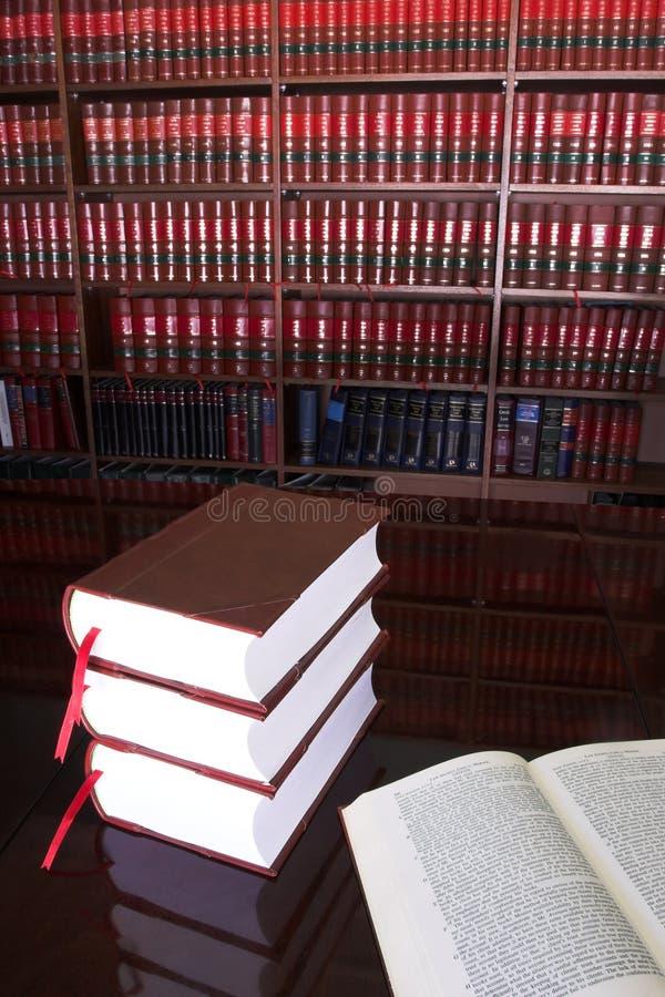 19 prawnych książek fotografia stock