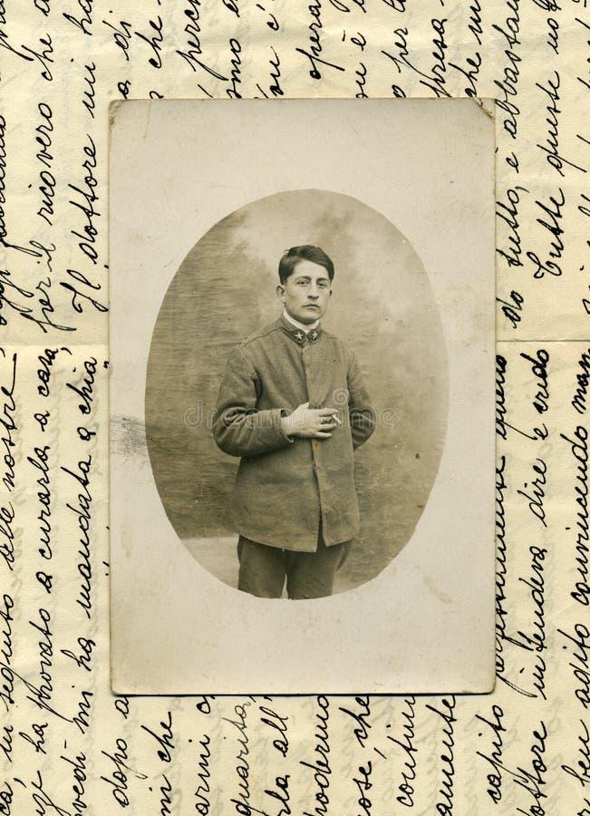 1918古色古香的人军事原始照片 免版税图库摄影