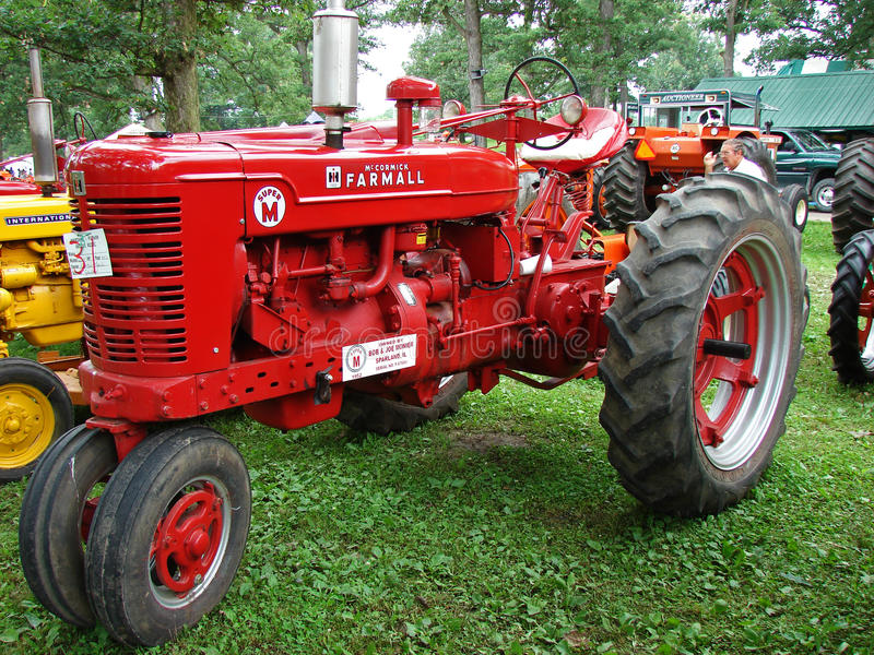 Download 1952 Farmall Super M editorial image. Image of show, machinery - 22557735