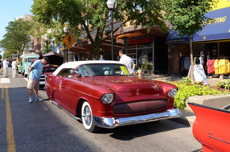 1955 red Chevrolet arkivbild