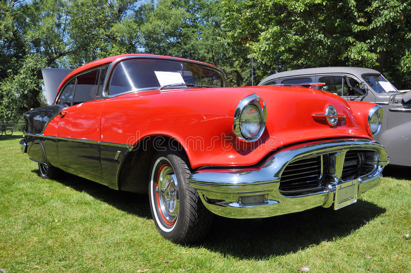 Download 1956 Oldsmobile 88 editorial photo. Image of automobiles - 20495161