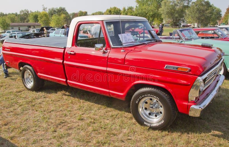 1969 Ford F100 leśniczego ciężarówka obrazy royalty free