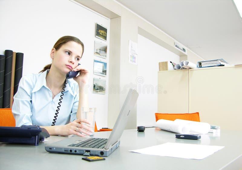 2个办公室场面 免版税库存照片