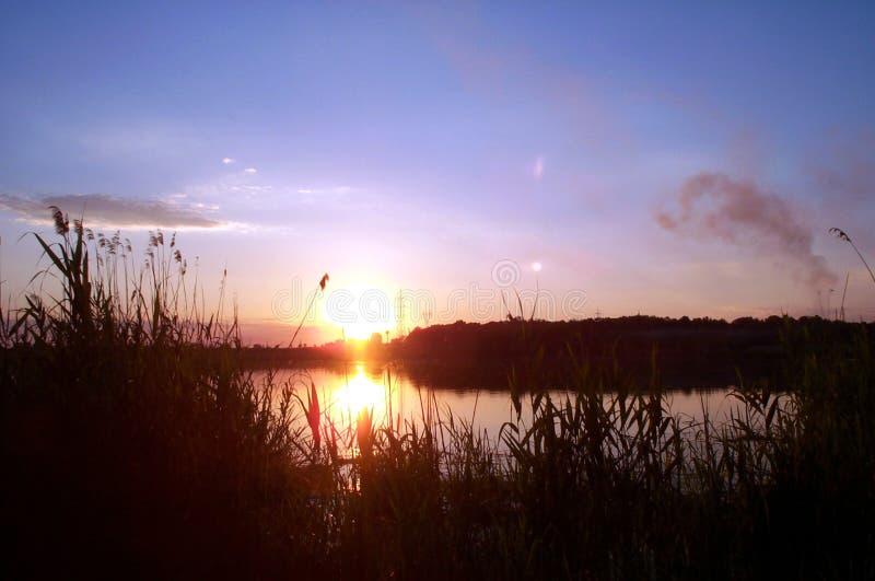 2个湖日落 免版税库存照片