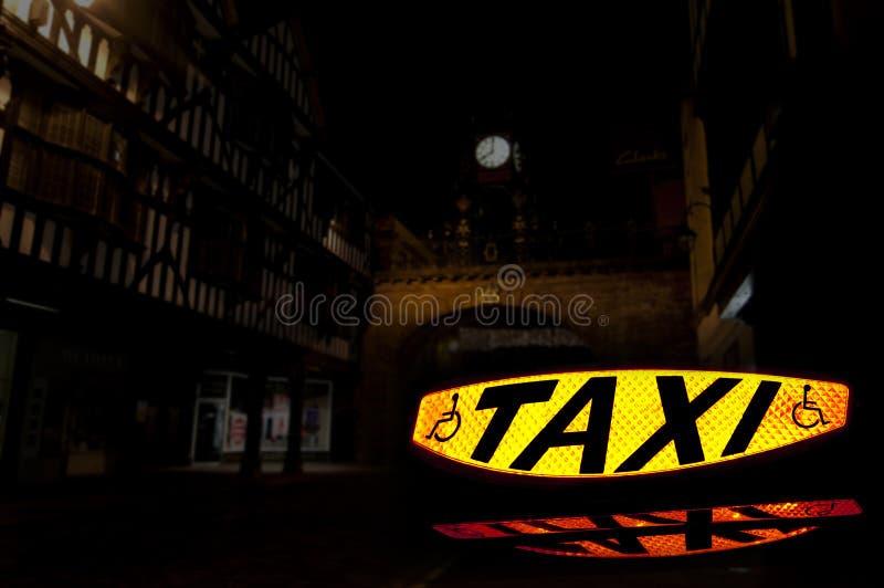 2个符号出租汽车 免版税库存图片