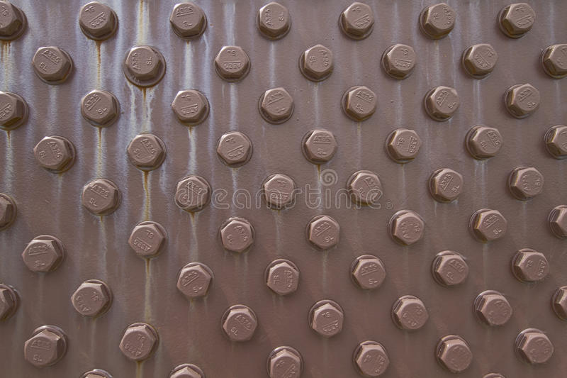 2个背景螺栓螺母 免版税库存图片
