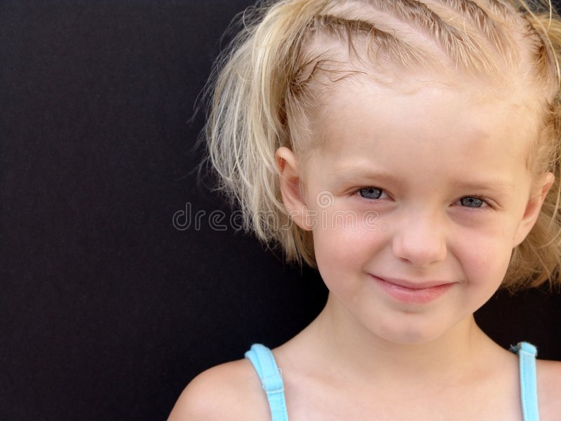 Download 2我的远期 库存照片. 图片 包括有 小孩, 女孩, 照亮, 夏天, 系列, 子项, 孩子, 敬慕, 滑稽, 蓝色 - 179900