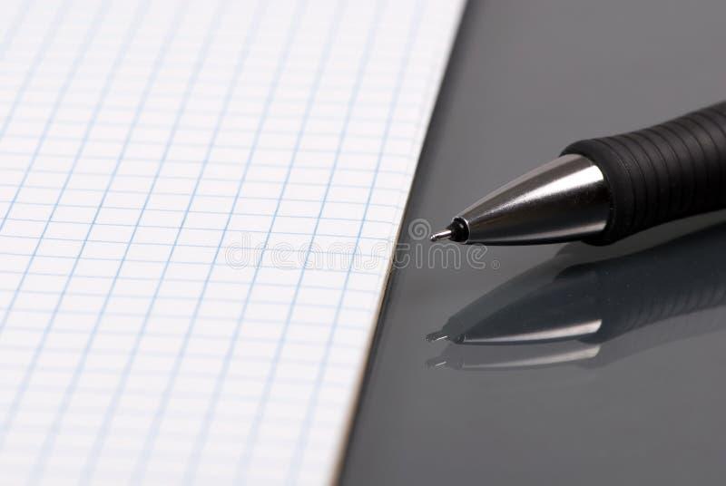 2纸笔 免版税库存照片