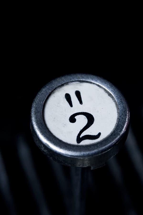 2键顶老打字机 库存照片