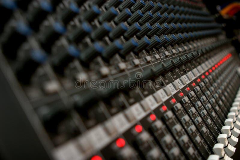 2音频搅拌机 免版税库存照片