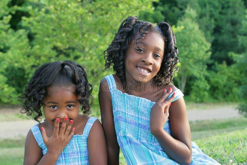 2 αδελφές στοκ εικόνα