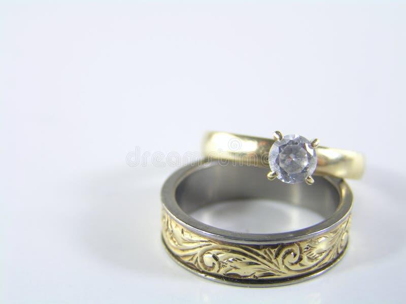 2 δαχτυλίδια αγάπης στοκ εικόνα