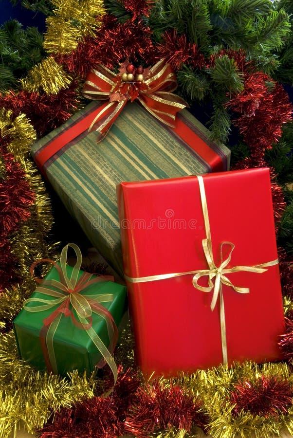 2 δώρα Χριστουγέννων στοκ εικόνες