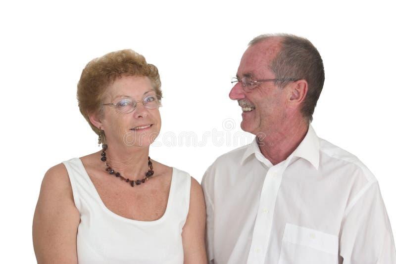 2 ηλικιωμένος ευτυχής ζευγών στοκ φωτογραφία με δικαίωμα ελεύθερης χρήσης