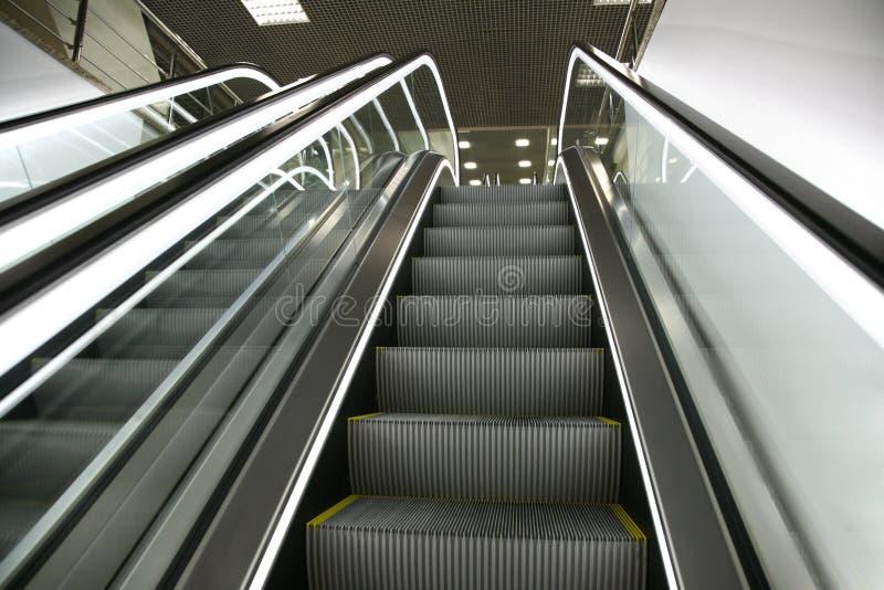 2 κυλιόμενες σκάλες στοκ εικόνα
