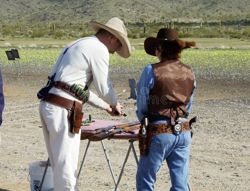 2 κυνηγετικά όπλα τουφεκ&i στοκ εικόνες
