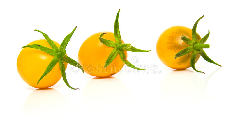 2 τέλειες ντομάτες κίτριν&epsilo στοκ φωτογραφία με δικαίωμα ελεύθερης χρήσης