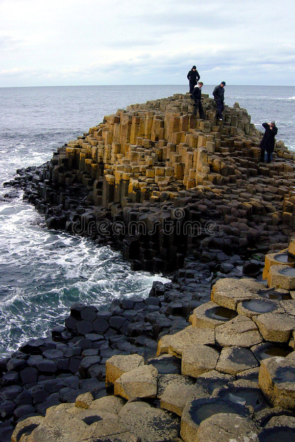 2 гиганта Ирландия мощёной дорожки северная стоковая фотография