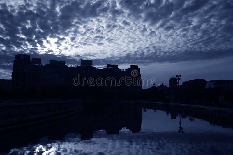 2 облака bucharest сверх стоковое фото rf