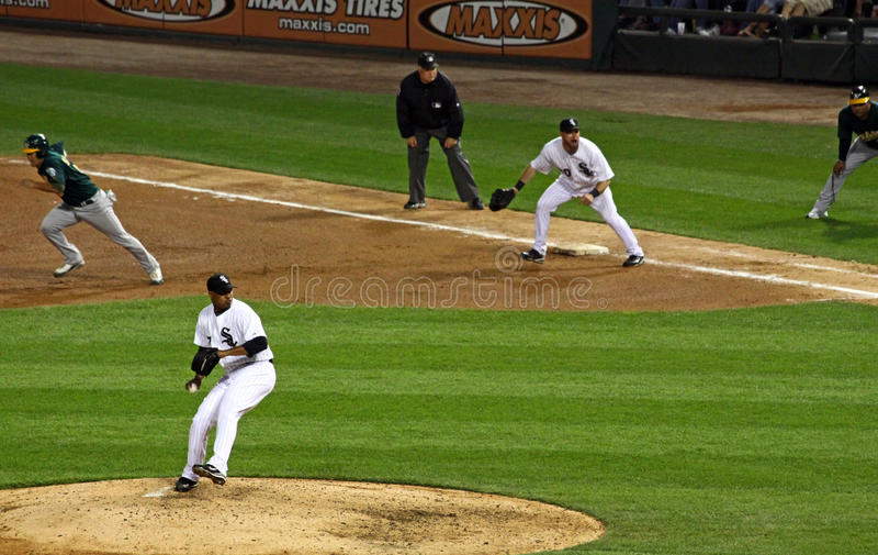 2-ой низкопробный майор лиги бейсбола крадет suzuki стоковые фото