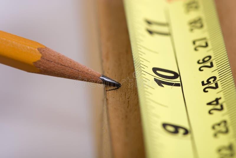 2 отрезанный измерять стоковое изображение
