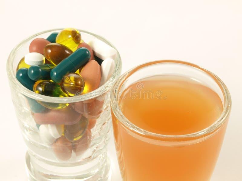 2 путя витаминов стоковое фото
