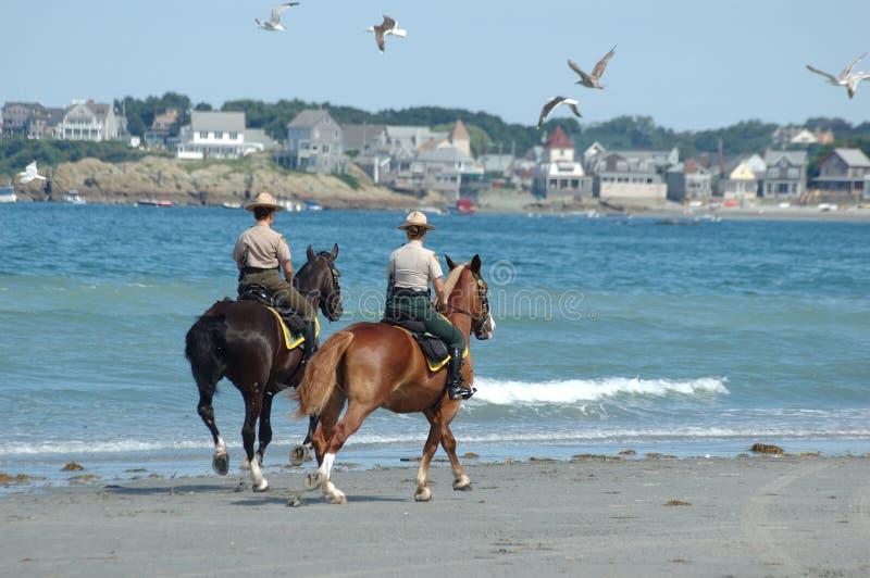 2个海滩巡逻 库存图片