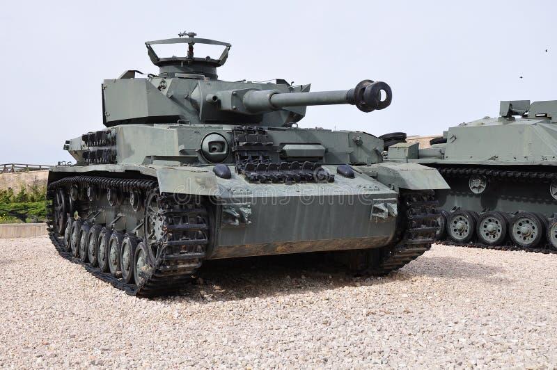 2 4 slåss ww för nazipanzerbehållaren arkivbild
