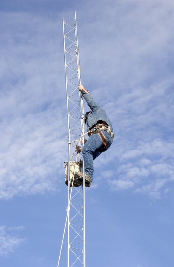 Download 2塔 库存图片. 图片 包括有 电话, 频率, 播放, 通信, 行业, 连通性, 互联网, 覆盖范围, 连接数 - 51845