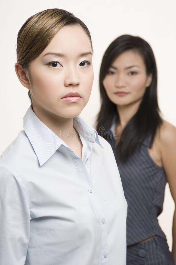 2 affärskvinnor