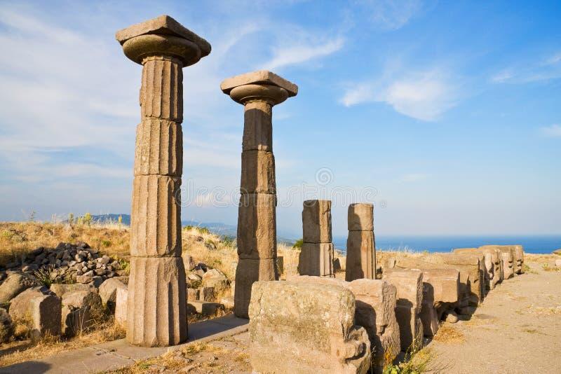 2 assos Athéna près ont ruiné le temple photo libre de droits