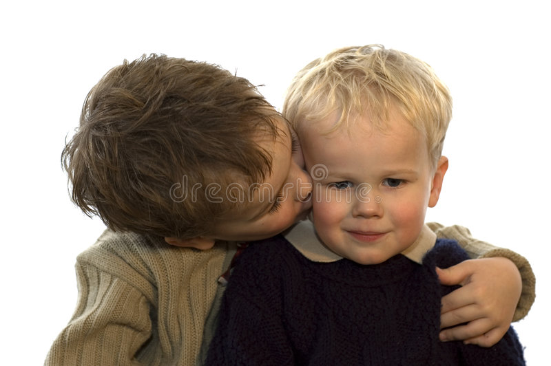 Download 2 bröder två fotografering för bildbyråer. Bild av ungar - 500901