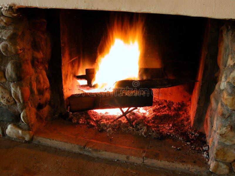 2 burning flammor arkivfoto