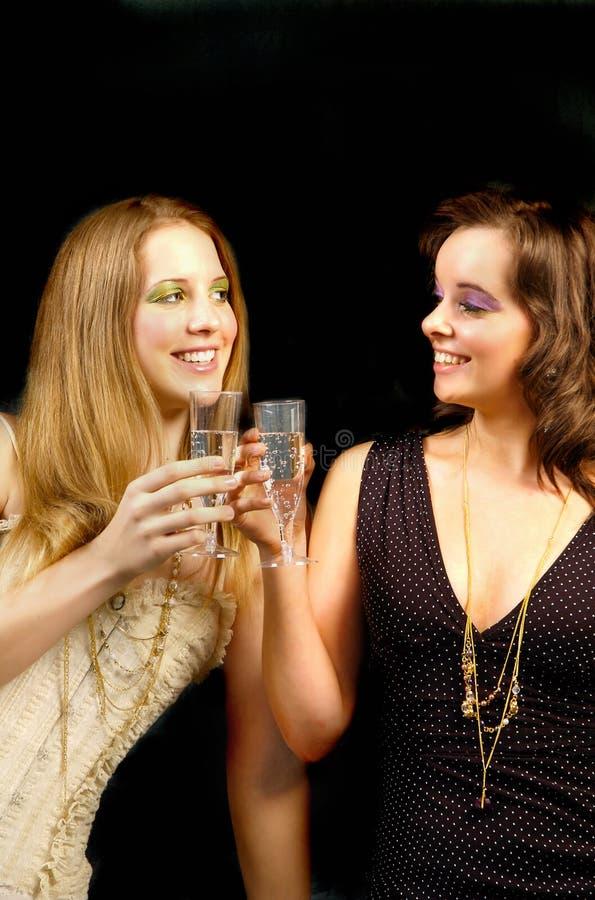 2 champaign dziewczyny fotografia stock