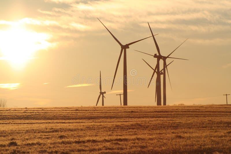 2 dawn turbina wiatr obrazy royalty free