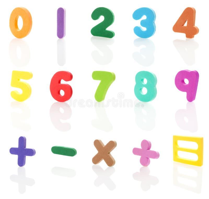 2 isolerade alfabetsiffror arkivfoto