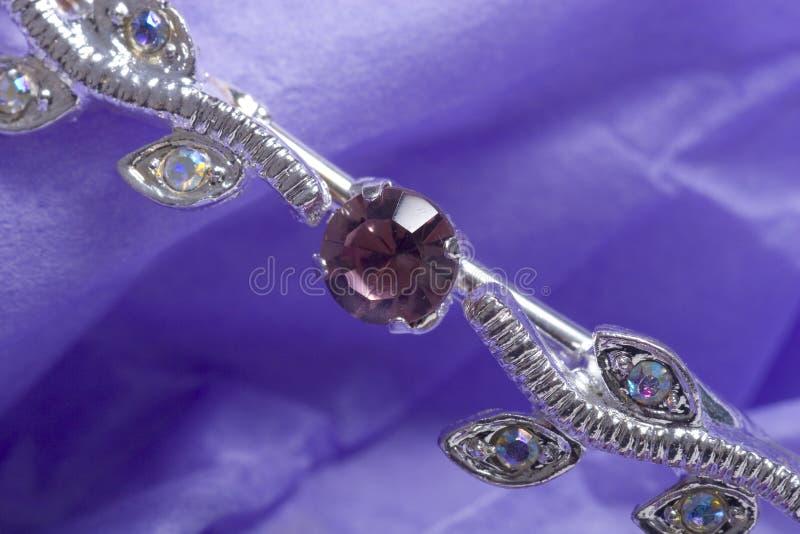 Download 2 juvlar arkivfoto. Bild av stål, purpurt, juvlar, guld - 505678